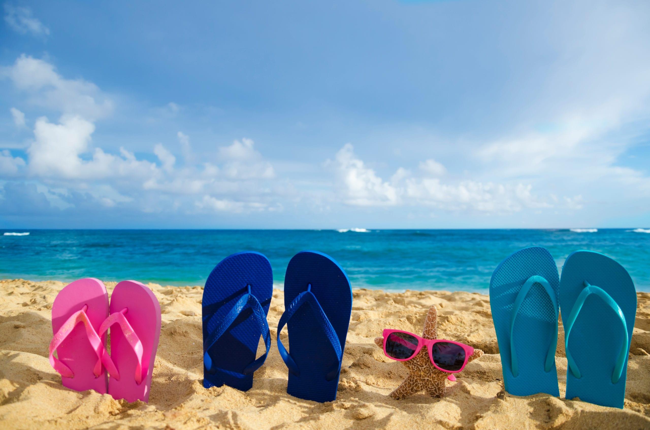 Sandals on beach (Photo: Shutterstock)
