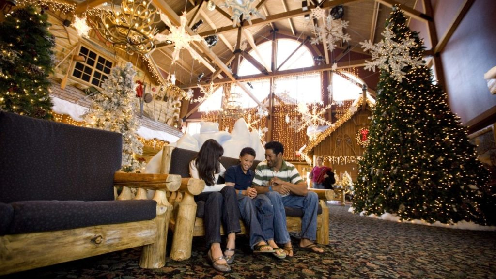 Great Wolf Lodge Lobby during Snowland Event (Photo: Great Wolf Lodge)