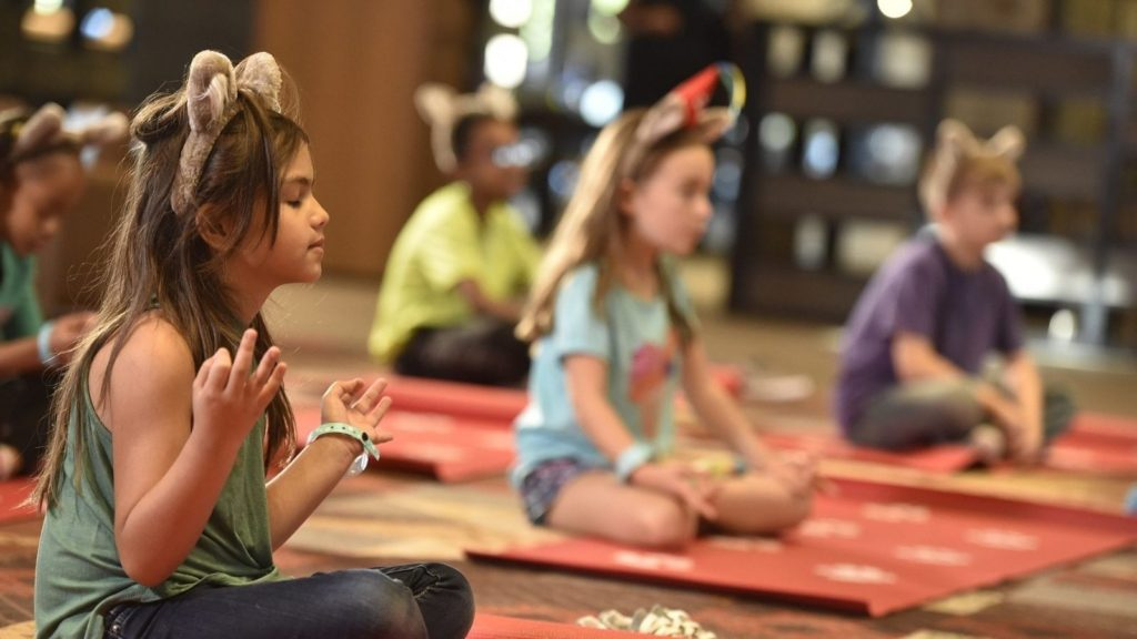 Morning yoga in lobby (Photo: Great Wolf Lodge)