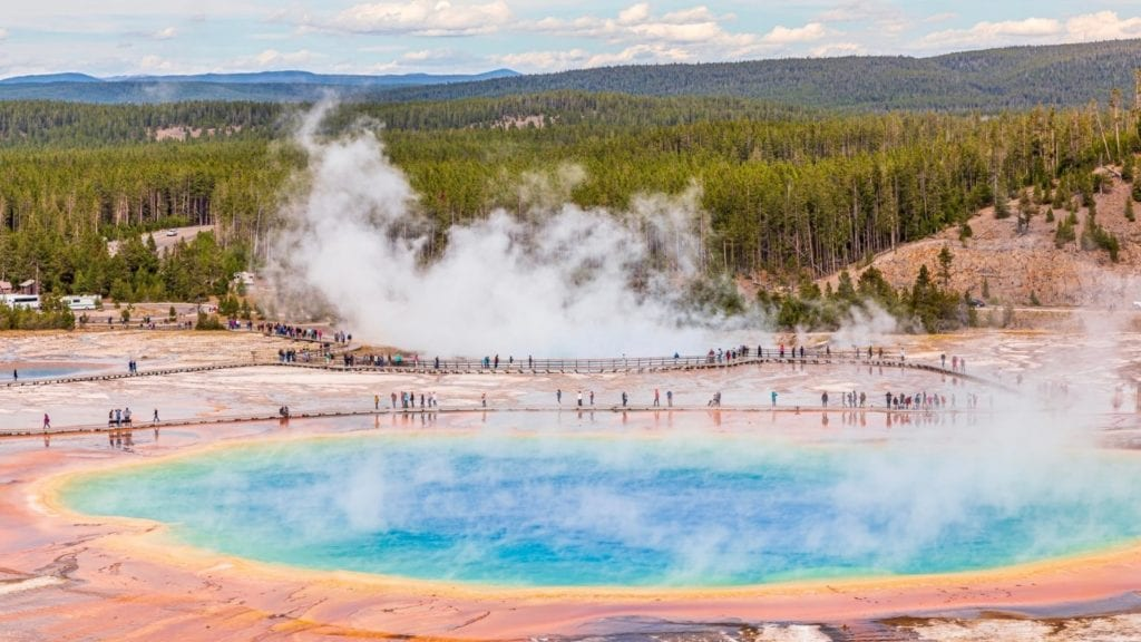 Tourists at Grand Prismatic Springs in Yellowstone National Park (Photo: @joicephotography via Twenty20)