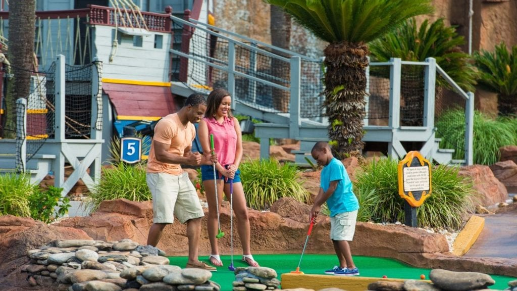Family playing mini-golf in Myrtle Beach, South Caroline (Photo: Visit Myrtle Beach)