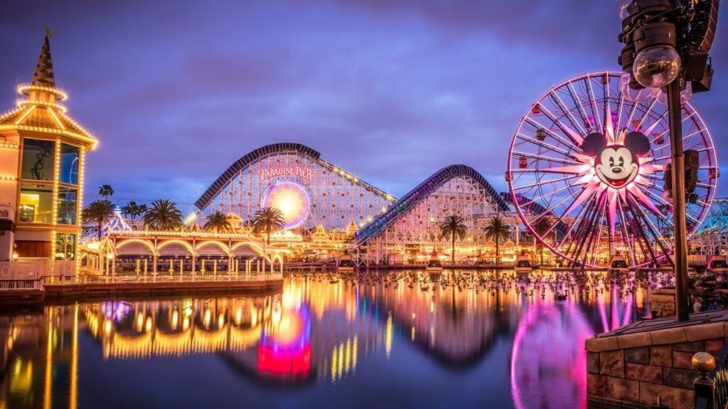 World of Color at Disneyland in Anaheim, California (Photo: @gavinvanderbeek via Twenty20)