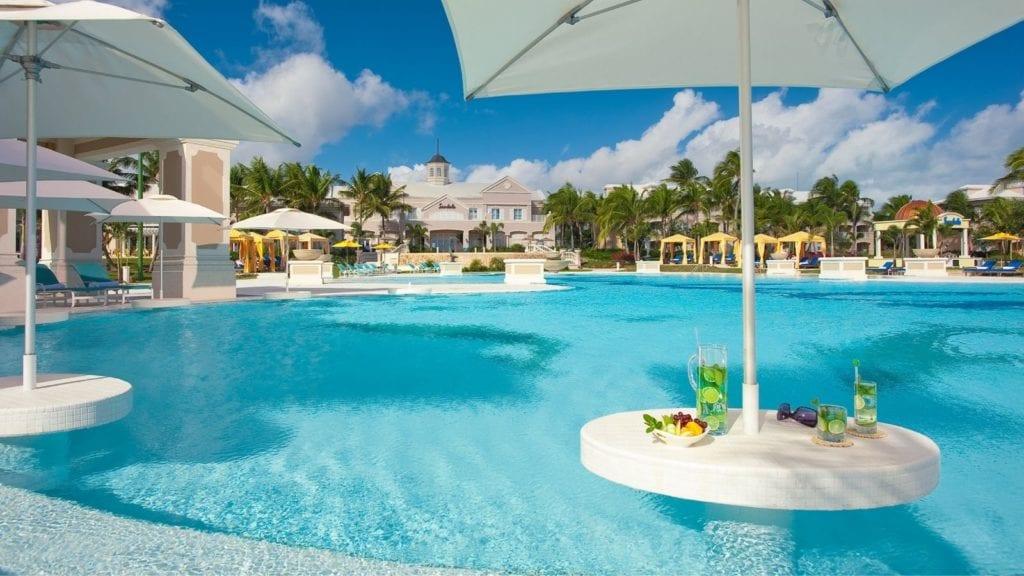 all inclusive Bahamas resort Sandals Emerald Bay