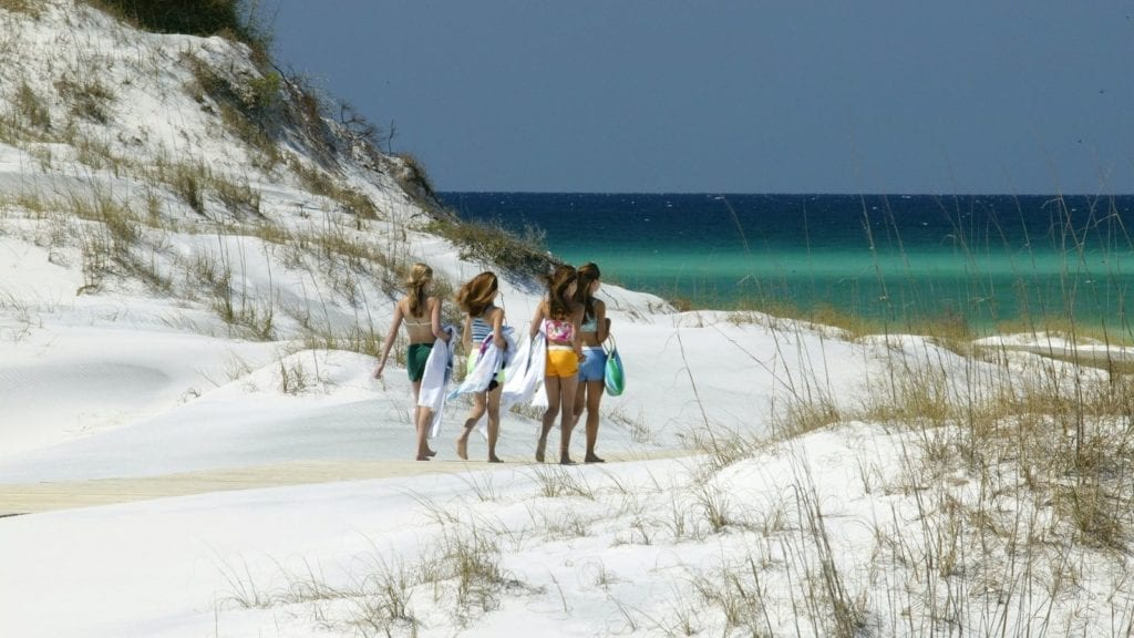 Children on a beach in the Florida Panhandle (Photo: Visit South Walton)