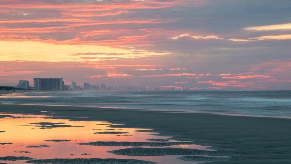 Peaceful sunrise on Myrtle Beach in South Carolina (Photo: @shannonfieldsphoto via Twenty20)