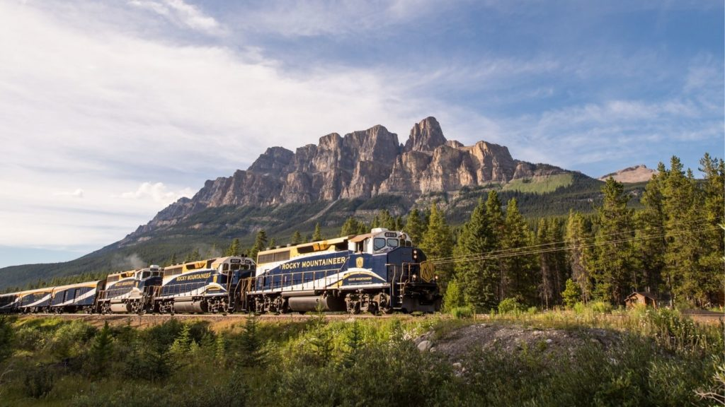 Train vacations don't get any more scenic than the First Passage to the West ride (Photo: Rocky Mountaineer)