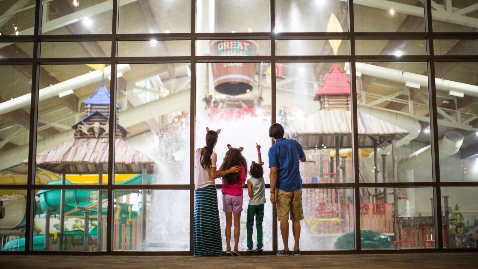 Family at Great Wolf Lodge (Photo: Great Wolf Lodge Resorts)