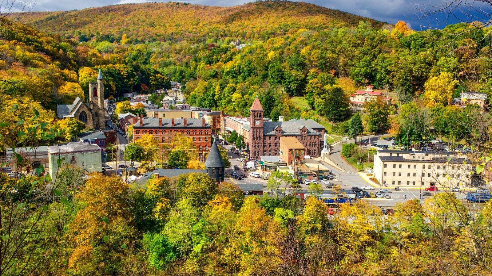 Jim Thorpe, Pennsylvania, in Autumn Colors (Photo: Shutterstock)