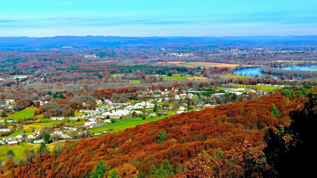 Late fall in the rural Pioneer Valley of Massachusetts (Photo: Shutterstock)