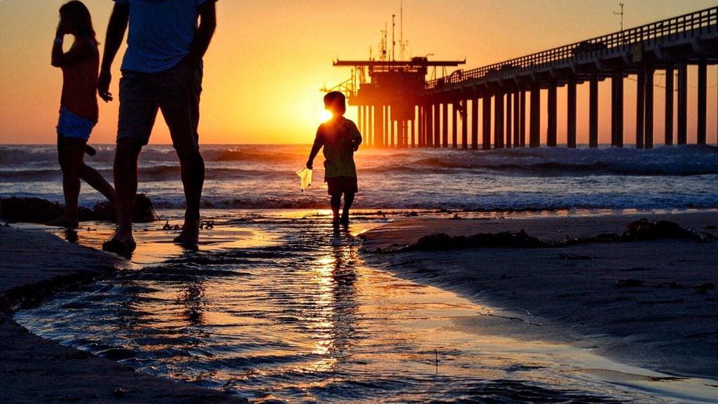 San Diego sunset with family on the beach