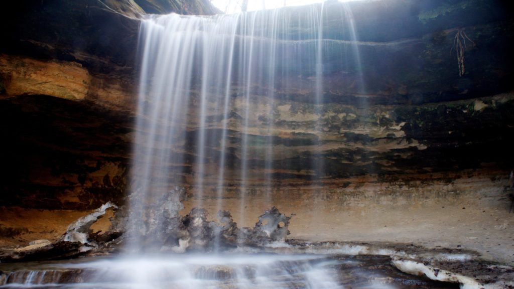 Waterfall at Starved Rock State Park in Illinois, a popular Midwest fall getaway